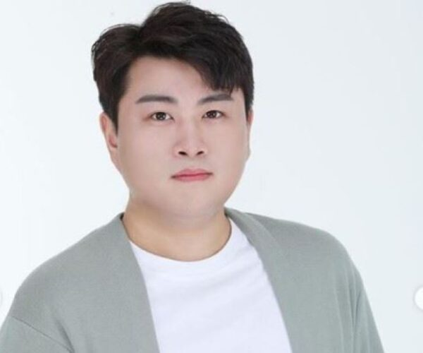 Kim Hojoong Sells More Than 500,000 on Day One of Release